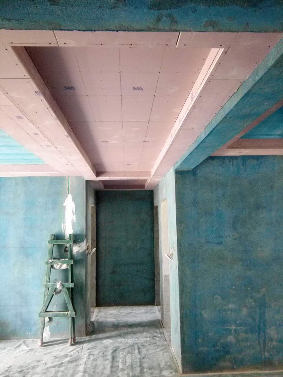 装修_主语城二室一厅装修工地木工吊顶认真,龙骨结实,结构都很紧凑,接